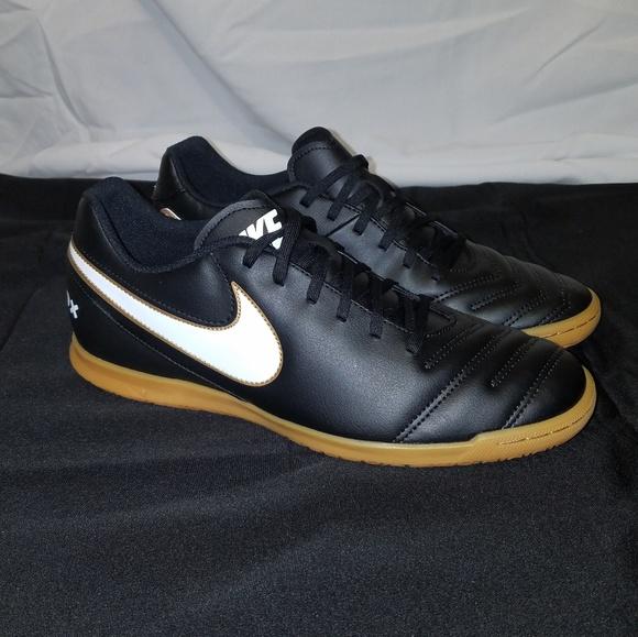e8c9084d2cd Nike Tiempo Rio III IC